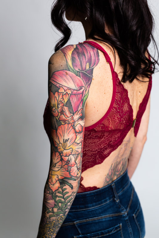 color floral flower flowers woman sleeve tattoo tattoos dlacie jeanne lily gladiolus boudoir