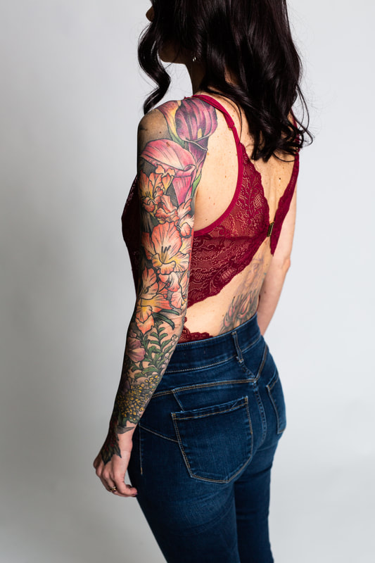 color floral flower flowers woman sleeve tattoo tattoos dlacie jeanne calla lily gladiolus feminine
